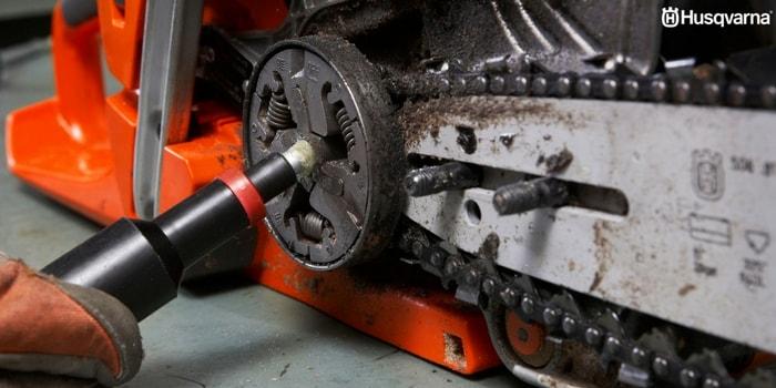 Manutenção de uma motosserra Husqvarna: Afiar a corrente